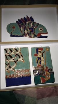two assorted-color animal paintings 43 km