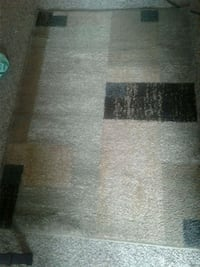 "37"" x 53"" Area rug.  Middletown"