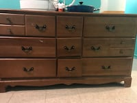 Brown wood dresser Montréal, H4C 2K9