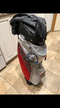 gray and red golf bag