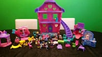 Disney Playset with accessories Edmonton, T5P 1P7