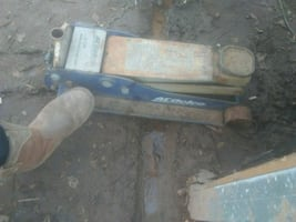 Floor jack super duty
