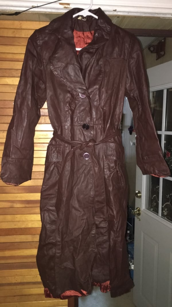 brown leather trench coat 2528a81b-f094-4248-a97b-0dad84236923