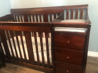 Crib, changing table, dresser combo Lake Forest, 92630