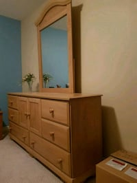 """Dresser 64"""" long with removable mirror Mississauga, L5N 6L2"""
