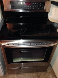 LIKE NEW - LG convection oven stove - OBO Garland, 75044