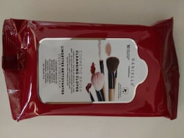 NEW Cosmetics Brush Cleansing Cloths w Free Gift
