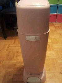 Diaper genie only for sell $10.  Toronto