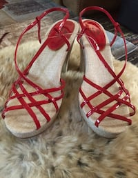 Beautiful red wedges size 8 almost new ! North Chesterfield, 23234