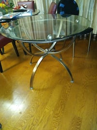Glass top table New York, 10039