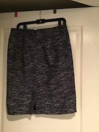 Downsizing, TOMMY Hilfiger career skirt with inside lining  Alexandria, 22314