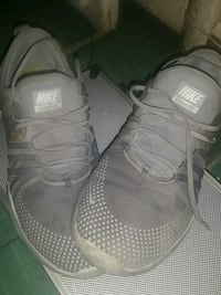 pair of gray Nike low-top sneakers New Westminster, V3L