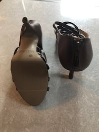 Brown heels size 10 Lincoln, 68506