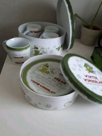 Real porcelain 4 plate and 4 cup set Calgary, T3K