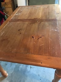 Dining room table 47 km