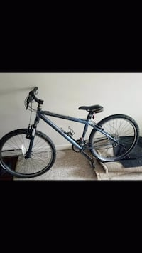 this bike is stolen at the candianbrewhouse Kelowna, V1Y 8B4