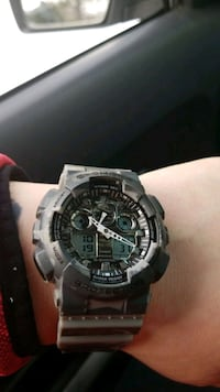 Limited edition g-shock watch with case and all warranty