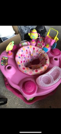 Selling high chair and Pack N play Markham, L3S 2W4
