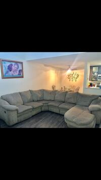 Free 90's vintage sectional couch Hayward, 94541