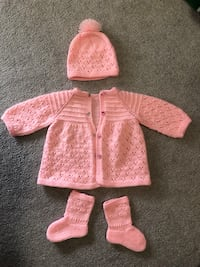 Handmade knit sweater set in baby pink Mississauga, L5G