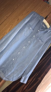 Dark blue button up long sleep shirt Kelowna, V1Z