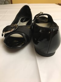 Black leather open-toe sandals Washingtonville, 10992