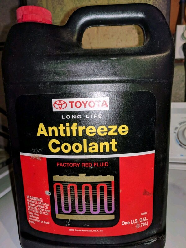 Toyota Long Life Antifreeze Coolant (2 Gallon)