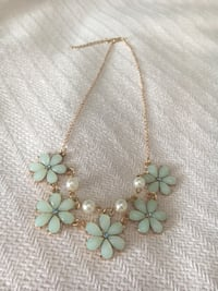New sea foam green flower necklace Annandale, 22003