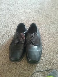 pair of black leather dress shoes Warren, 16365