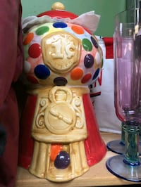 Cookie Jar Bubblegum cookie jar $19 Vancouver, V5T 1X9