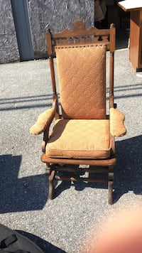 brown wooden framed brown padded armchair New Windsor, 21776