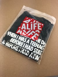 Alife Q-Tip collaboration Size M New York, 11205