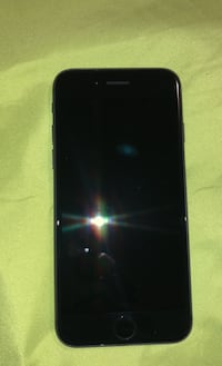 Am selling a iPhone 8 it's in excellent condition no scratches London, N5Y 0B1