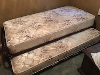 brown and white floral mattress New Port Richey, 34654