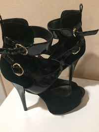 Bebe black suede and patent leather high heel shoes New York, 10454