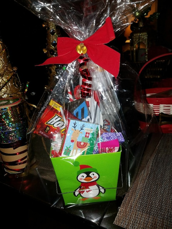 Christmas Gift Baskets For Kids.Kids Christmas Gift Basket