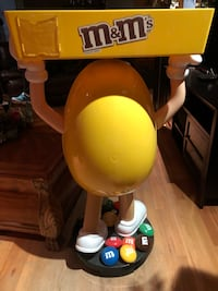 M&M guy to hold candy or other things 2375 mi