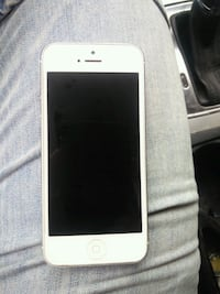IPhone 5 locked, in good working condition but Cambridge, N1T 1K9