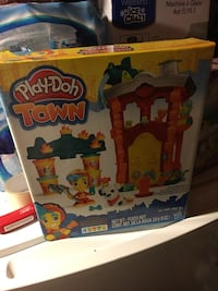 Play-Doh Town toy box