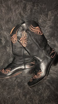 Cowgirl boots size 10 Florence, 35633