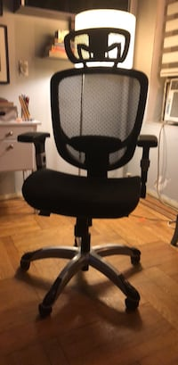 Desk Chair Almost New and Assembled New York, 11209