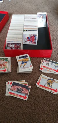 About 1,500 Hockey Sports Cards / Trading Cards