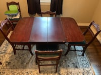 Dinning table 4-6 seater with leaf and 6 chairs Stockton, 95206