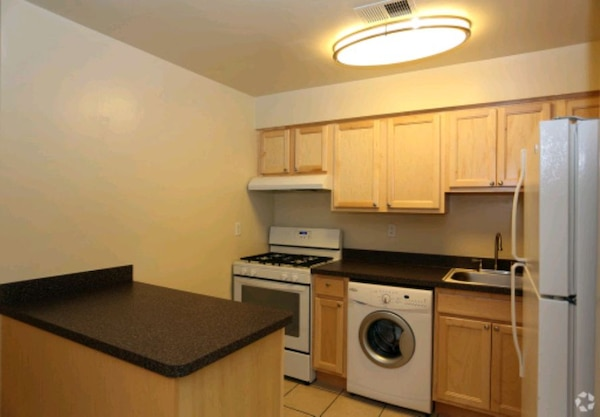 APT For Rent 2BR 1BA 24ee19e9-3797-46b0-87f0-a6f1ec148f17