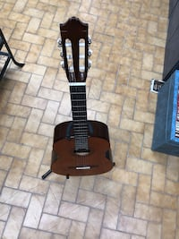 black and gray electric guitar Longueuil, J4K 3T6