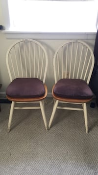 two white wooden windsor chairs Washington, 20019