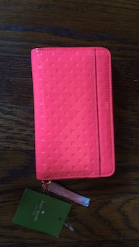 Pink leather pouch long wallet Chevy Chase, 20815