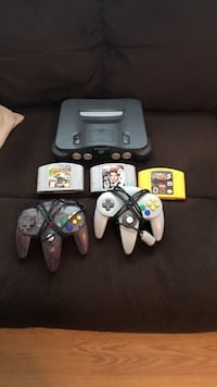 Nintendo 64 console with controller and game cartridges Wilmington, 28412