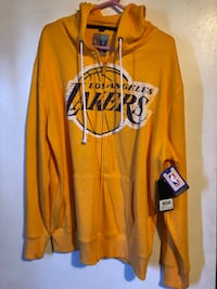 New Lakers hooded sweater  Long Beach, 90813