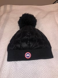 Canada goose toque with receipt Edmonton, T6E 1V1